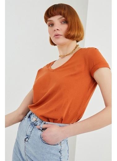 Z Giyim Pamuklu V Yaka T-shirt Kiremit